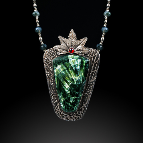 Seraphinite and Silver Pendant by Jonna Faulkner. jewelry photography by Steve Rossman