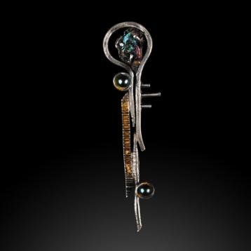 Totem Pendant #1 by Jonna Faulkner.  Jewelry photography by Steve Rossman.