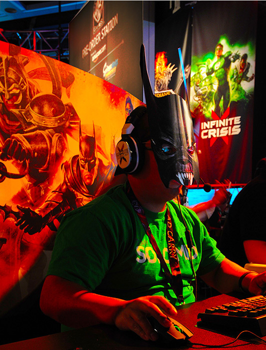 The Trade Group -Warner Bros staffer at PAX.  Photo by Steve Rossman