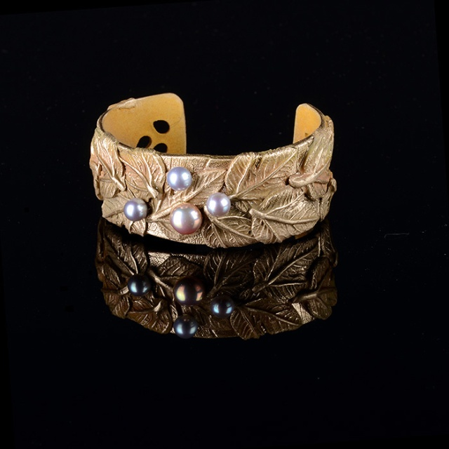Autumn Leaves Cuff by Jonna Faulkner.  Jewelry photography by Steve Rossman